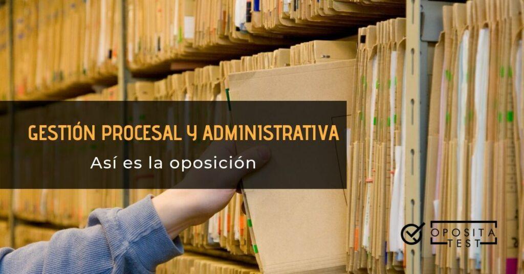 Hombre alcanzando un archivo en una estantería para ilustrar las acciones relacionadas con la oposición de gestión procesal y administrativa