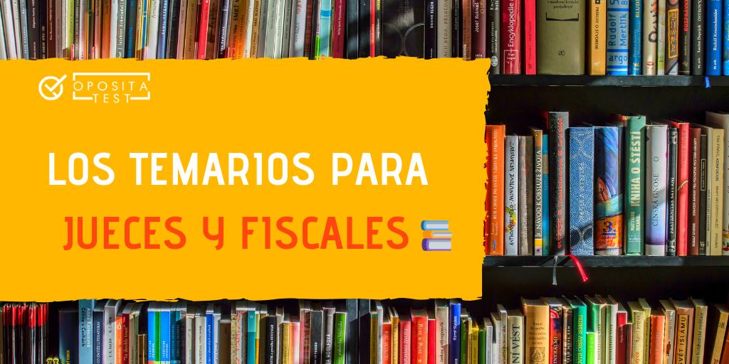 Imagen de una biblioteca con lomos de distintos libros para acompañar la descripción de cómo elegir un manual para preparar el temario de la oposición a Jueces y Fiscales