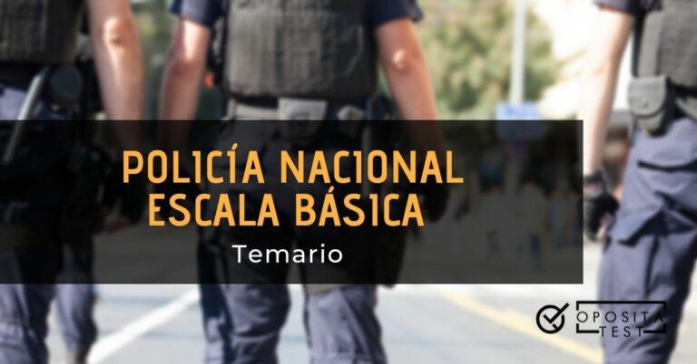 Grupo de policías uniformados en la calle para ilustrar el concepto de temario para la oposición a policía nacional en la escala básica