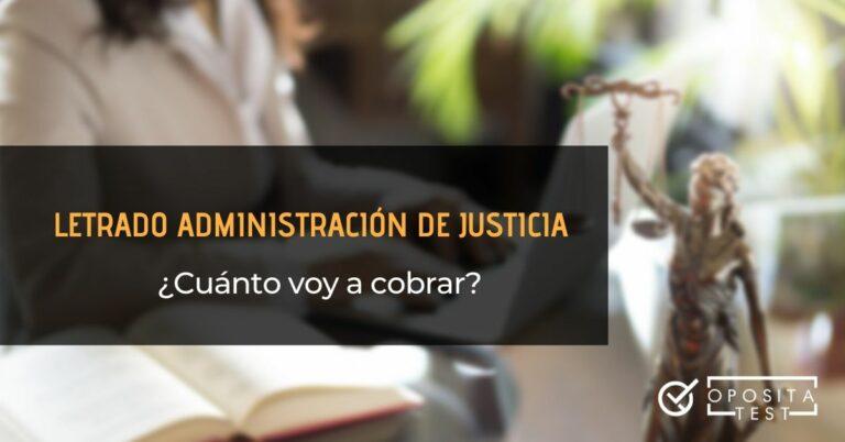 Imagen ilustrativa fuera de foco de una persona en el entorno de un despacho junto con figurita de la Justicia para acompañar un post en el que se analiza la estructura del sueldo de un LAJ