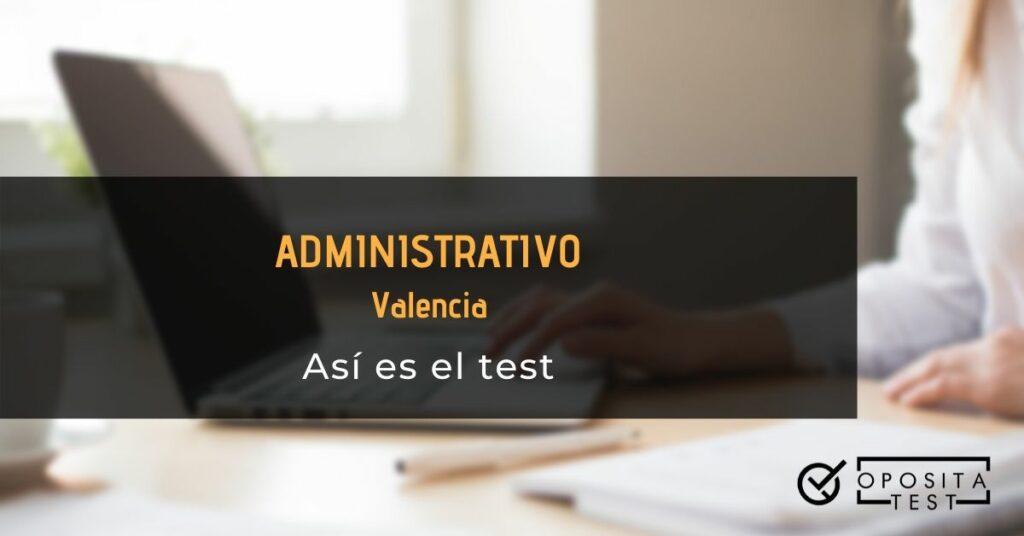 Imagen ilustrativa de persona en camisa blanca trabajando en ordenador portátil para acompañar el post en el que se analiza el formato del test de Administrativo de Valencia