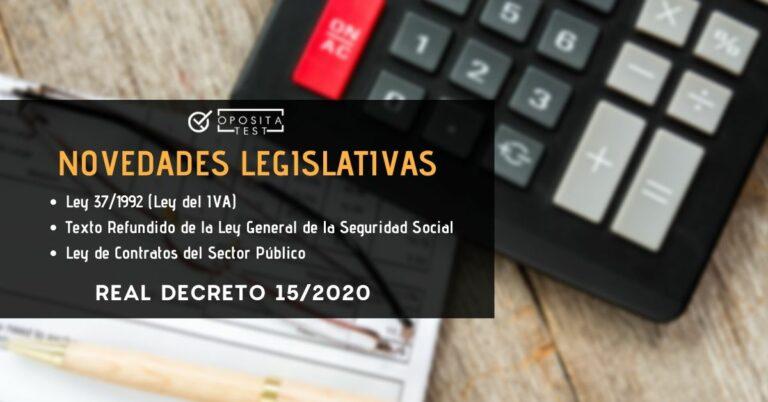 Imagen fuera de foco de calculadora con papeleo de impuestos para acompañar una entrada en la que se analizan las reformas legislativas incluidas en el Real Decreto 15/2020