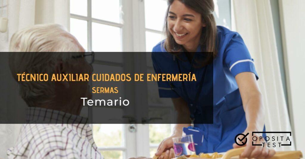 tcae SERMAS temario Imagen fuera de foco de una persona profesional sanitaria en uniforme azul acompañando a un paciente de mediana edad