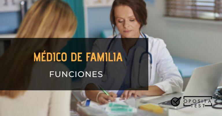 Doctora atendiendo a paciente en la consulta. Toda la imagen está fuera de foco. Se utiliza para ilustrar una entrada sobre las funciones de un médico de familia.