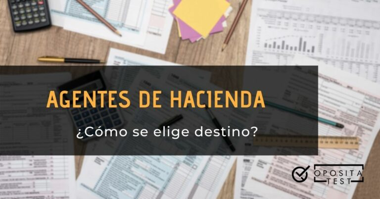 Imagen fuera de foco de calculadoras, notas y formularios de impuestos para acompañar un post en el que se analizan el sistema de elección de destinos en Agentes de Hacienda