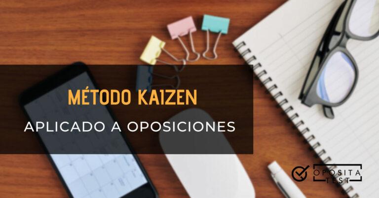 Mesa en la que se sitúan un cuaderno con unas gafas encima, un bolígrafo, un ratón, clips y un móvil. Toda la imagen está fuera de foco. Se utilizar para ilustrar una entrada sobre qué es el método Kaizen y cómo aplicarlo al estudio de las oposiciones.