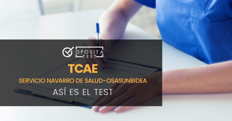 TCAE tomando notas en un cuaderno. Toda la imagen está fuera de foco. Se utiliza para ilustrar una entrada sobre el test de TCAE (Auxiliar de Enfermería) del Servicio Navarro de Salud-Osasunbidea.